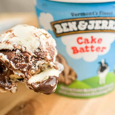 Everybody loves cake. But remember sneaking a taste of the batter when you were a kid? So so delicious. Well, we have a pint for that. Relive those stolen moments with Cake Batter, and then start making new memories with all those swirls of rich chocolate frosting